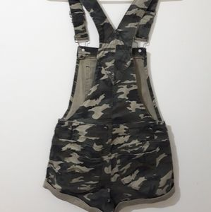 Hot Kiss Shorts - Camouflage Overall Shorts